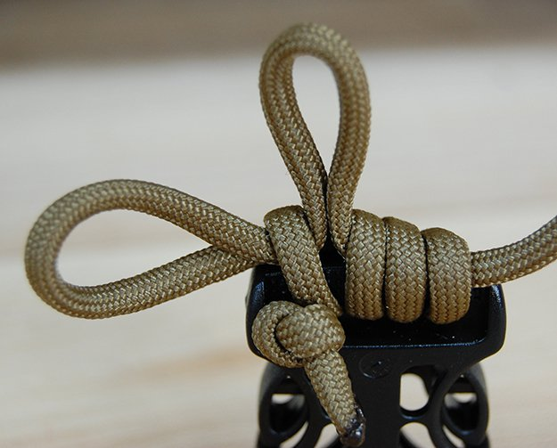 Finger loops | How To Make A Paracord Belt: Step-By-Step Instructions