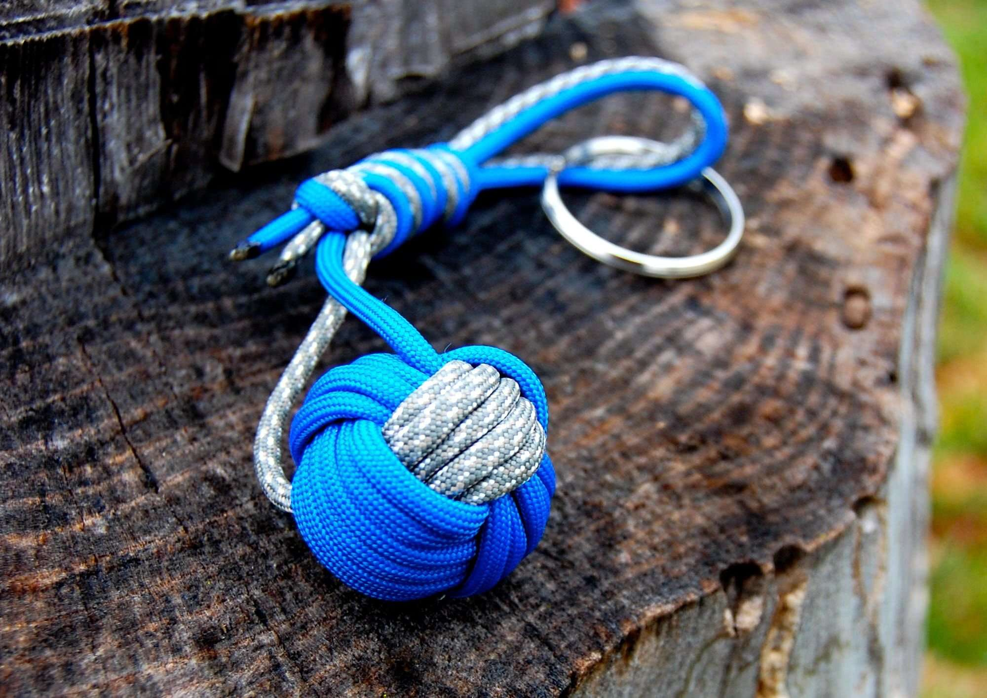 How to make a paracord monkey fist diy projects craft for Paracord stuff to make