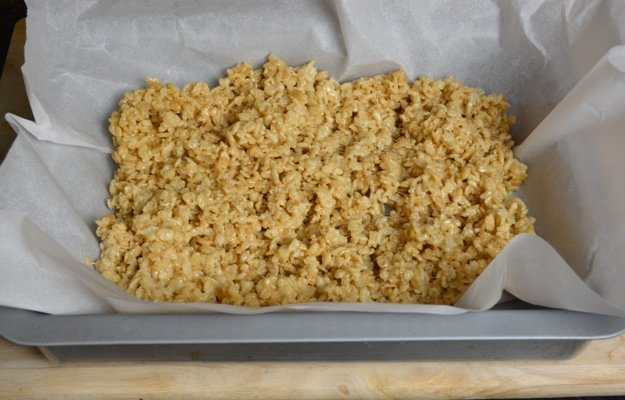 How-to-make-rice-krispie-treats25