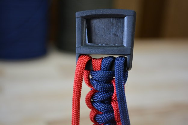 Pull the cords | Learn To Make A Paracord Dog Collar | Instructions