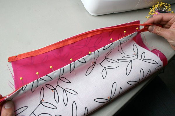 How to sew a zipper | Sewing Tutorials on DIY Projects.com