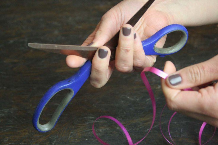 How to Make a Bow out of Curling Ribbon | DIY Curly Bows