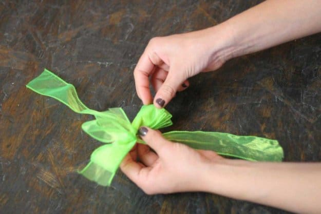 Adjust the Ribbon to Make a Bow 1 | How to Tie a Bow | Make 3 Beautiful Bows With Ribbon | How To Make A Bow With Wired Ribbon