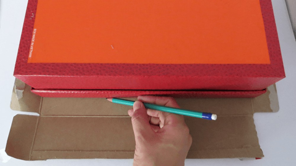 Step 3 | How To Make A Little Cardboard Suitcase | Craft Projects | make a little cardboard suitcase
