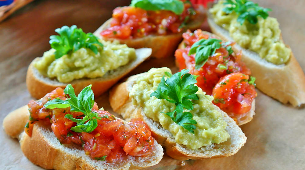 Ruschetta bread baguette tomatoes | Easy Finger Foods | Recipes And Ideas For Your Party | Featured