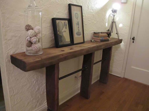 Entry Table | 31 Super Cool DIY Reclaimed Wood Projects