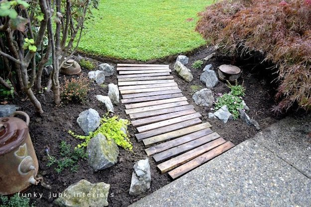 Pallet Garden Walkway | 31 Super Cool DIY Reclaimed Wood Projects