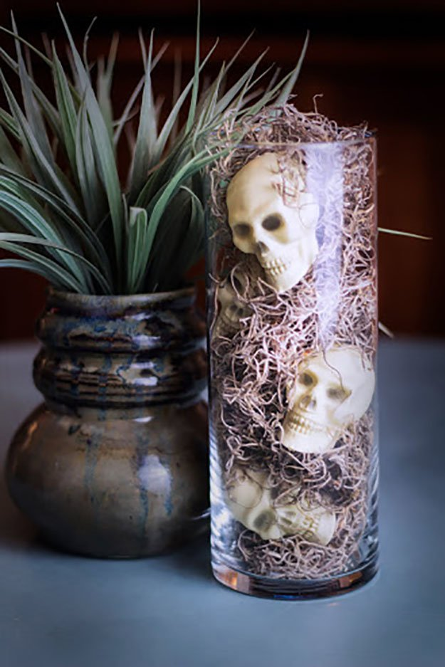 Vase of Skulls | Easy Dollar Store Halloween Decorations You Should Try