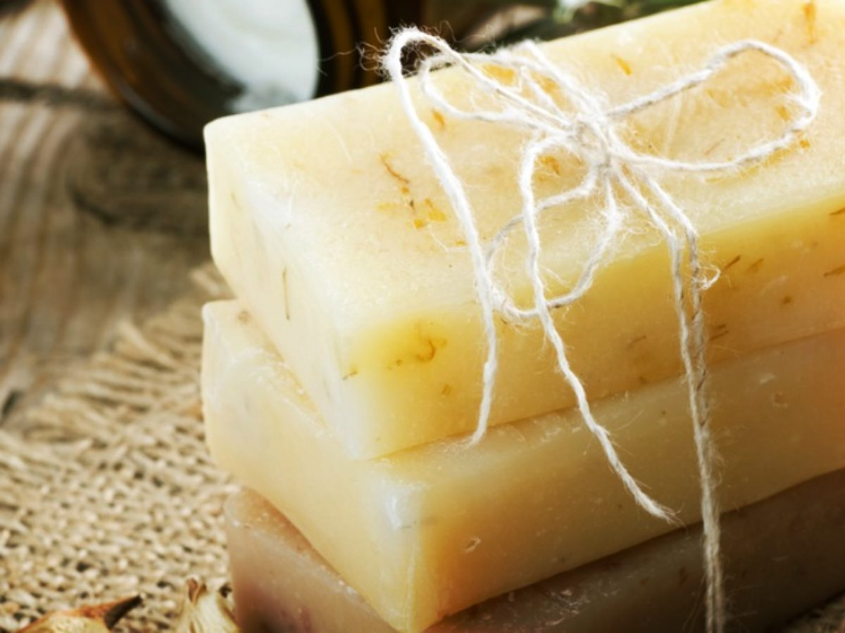 35 Homemade Soap Tutorials, Recipes