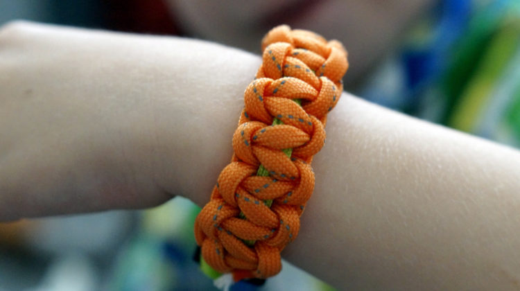 Paracord bracelet | How To Make Survival Paracord Bracelets | DIY Projects | paracord bracelet | paracord bracelet patterns | Featured