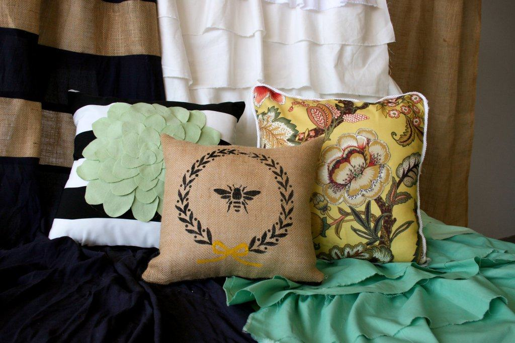 Design your own curtains and pillows with this online sewing course! Check it out at https://diyprojects.com/how-to-make-curtains-and-pillows-home-makeover-tutorial