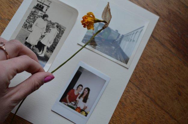 Hang up your Polaroids! | DIY Polaroid Frames