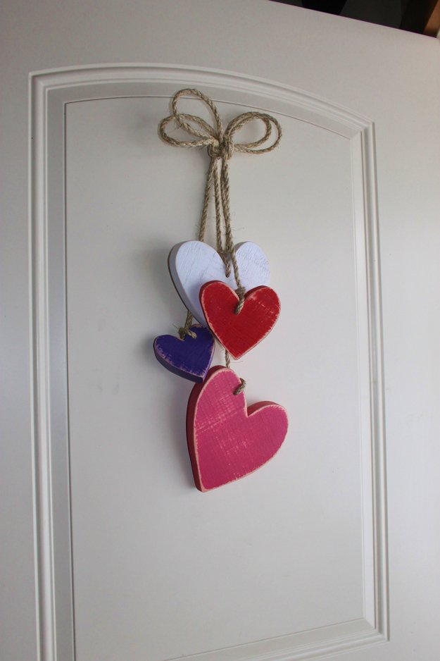 DIY Valentines Heart Art Tutorial | https://diyprojects.com/how-to-make-hanging-hearts/