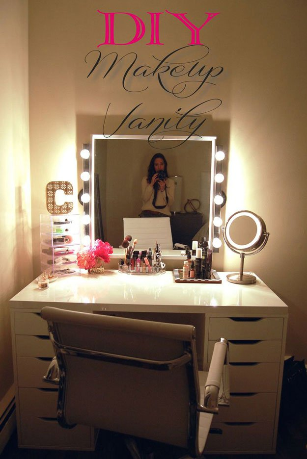 DIY Vanity | 26 Cool DIY Projects for Teens Bedroom