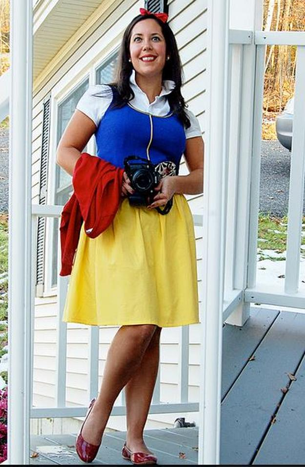 DIY Snow White costume for the office  sc 1 st  DIY Projects & 12 DIY Snow White Costume Ideas for Halloween DIY Projects Craft ...