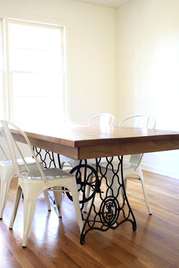 Kitchen Table from an old sewing machine   51 Terrific Ways To A DIY Kitchen Upgrade   DIY Projects