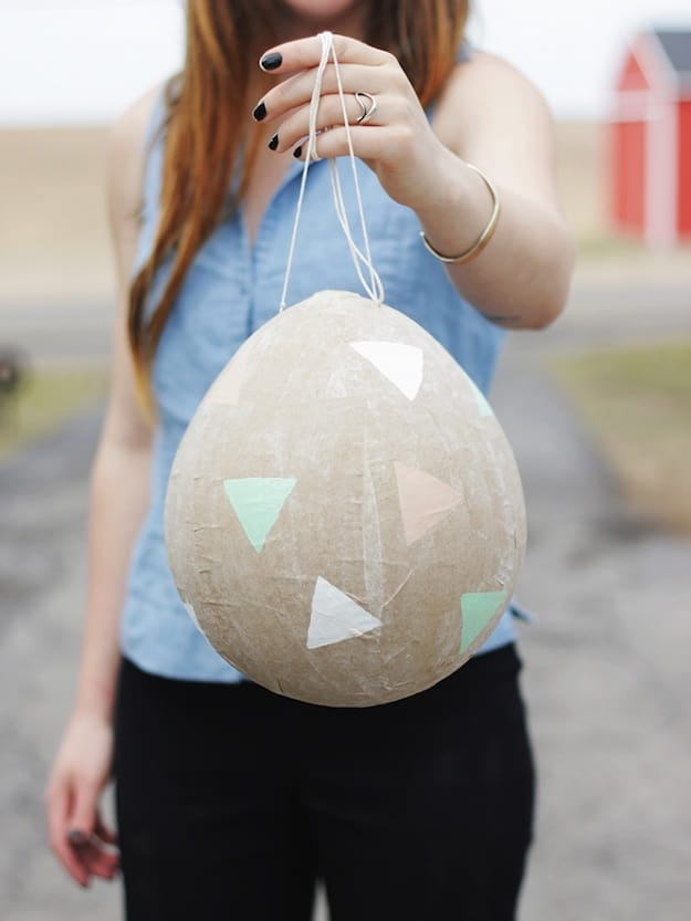 Easter Egg Piñata | Easter Egg Decorating Ideas Anyone Can Make | DIY Projects