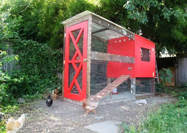 Reclaimed Wood Chicken Coop | Farmer's Backyards: Amazing DIY Chicken Coop Ideas For You