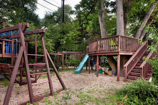 Choose the right spot | Installation Tips For Building Backyard Swing Sets For Kids