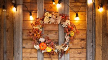 Autumn wreath of leaves and berries. Autumn decor, fall mood, autumn still life | Fun Fall Wreath Ideas | How To Make Front Door Wreaths | Featured