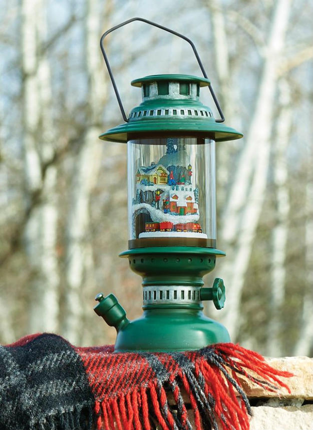 [Christmas Lantern with Train | DIY Christmas Lanterns Ideas To Brighten Up Your Home]