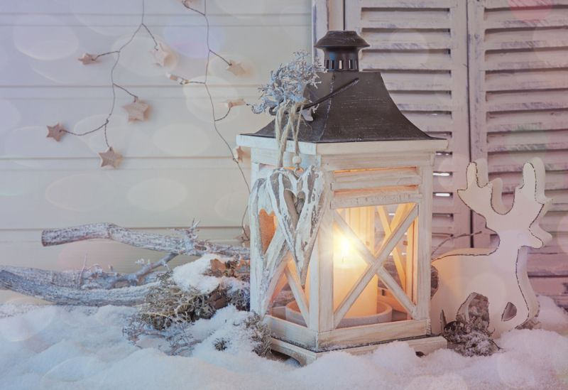 burning-lantern-christmas-decoration-on-white Winter Decorations Projects SS Featured