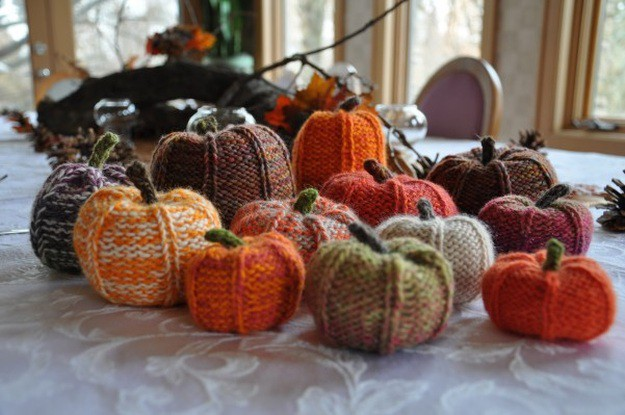 DIY Knit Pumpkins | Easy Knitting Projects You Can DIY In This Cold Weather