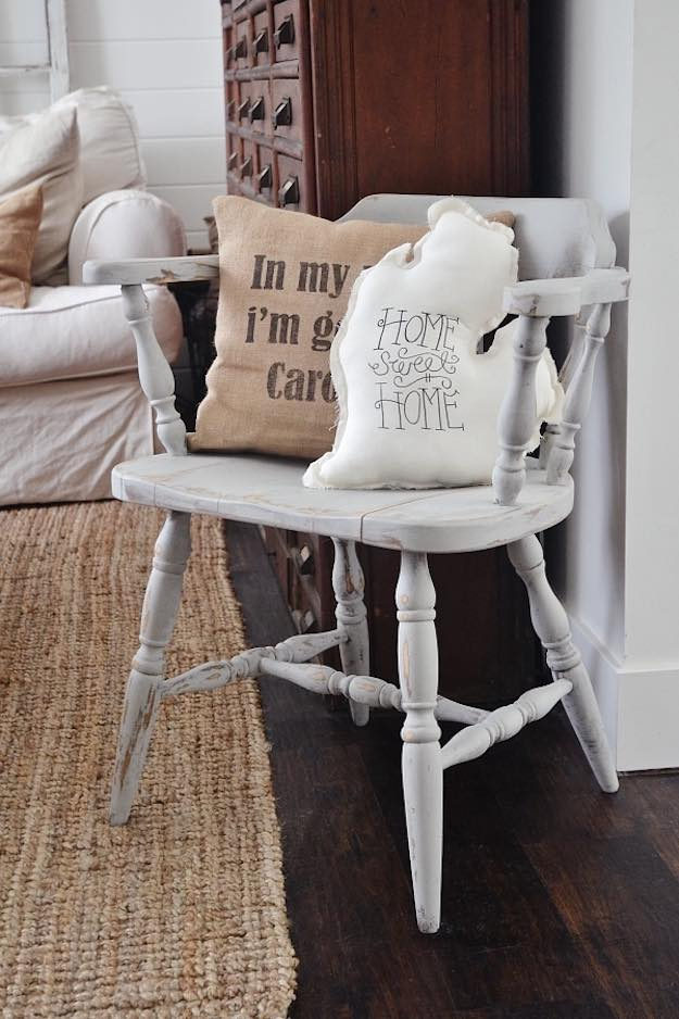 Chalk Paint Ideas for Rustic Home Decor | DIY Projects