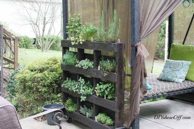 Free-Standing Herb Garden | Creative DIY Pallet Planter Ideas for Spring