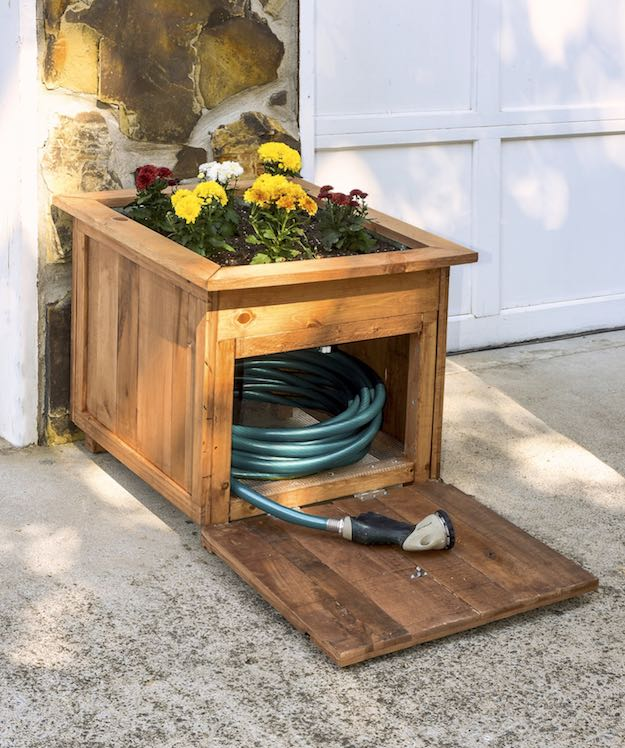 Hose Holder With Built In Planter | Creative DIY Pallet Planter Ideas for Spring