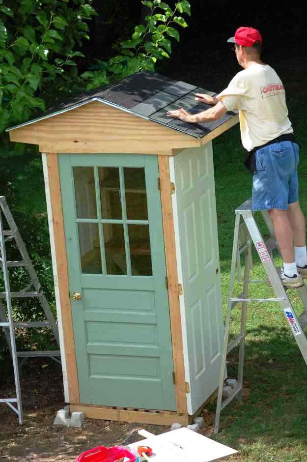 Storage Shed Made Out Of Doors Diy Ideas