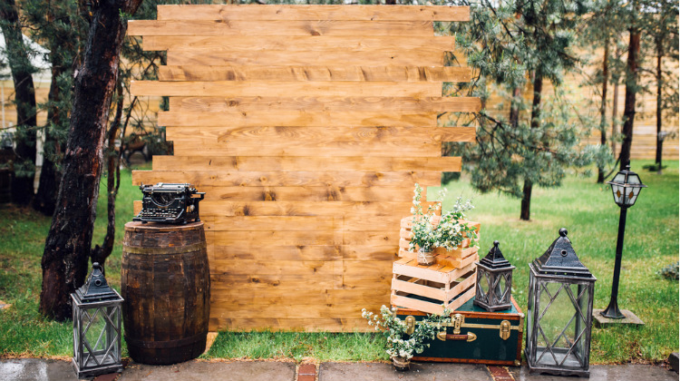 25 DIY Photo Booth Ideas For Your Next Shindig | DIY Projects