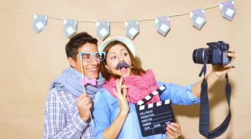 19 Cool DIY Photo Booth Props