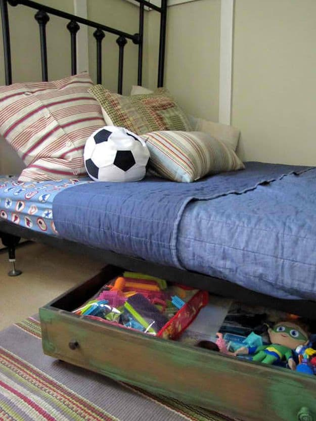 Repurpose A Dresser Drawer As An Underbed Storage | Organization Hacks That Can Keep Anyone (Even You DIYers) Organized