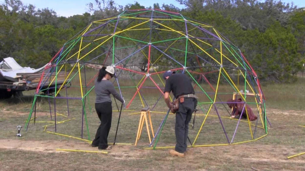 Geodesic dome plans | How To Build A Geodesic Dome: 268 Square Feet for $300 | geodesic dome greenhouse | Featured