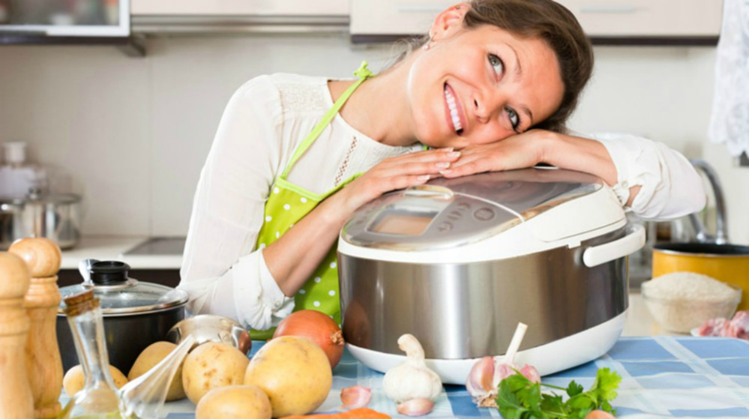 Feature | Woman Love Cooking | Slow Cooker Hacks For Every Household