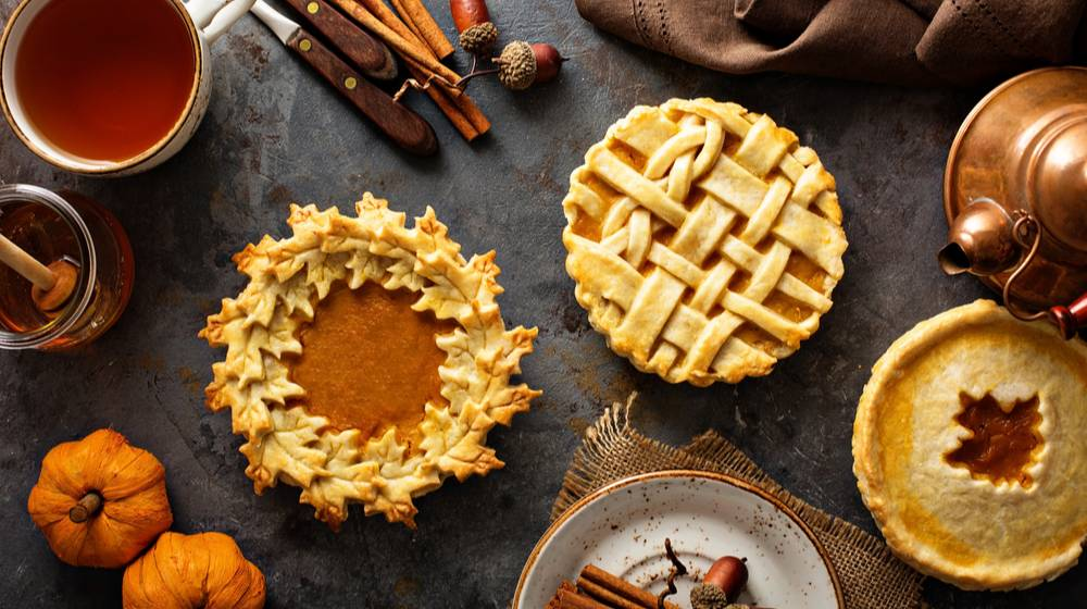 homemade-pumpkin-pies-decorated-fall-leaves | 11 Easy Thanksgiving Desserts | Homemade Sweets You Can Make | Featured