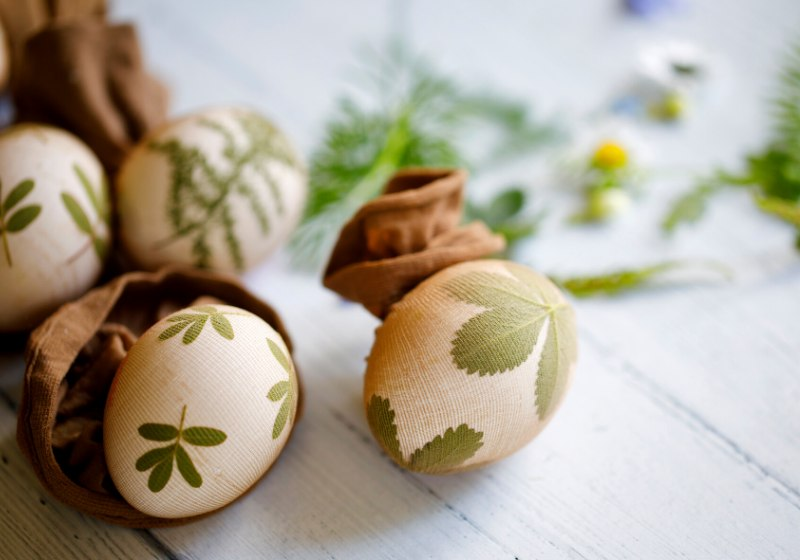 easter eggs pressed leaves flowers prepared | creative easter egg designs