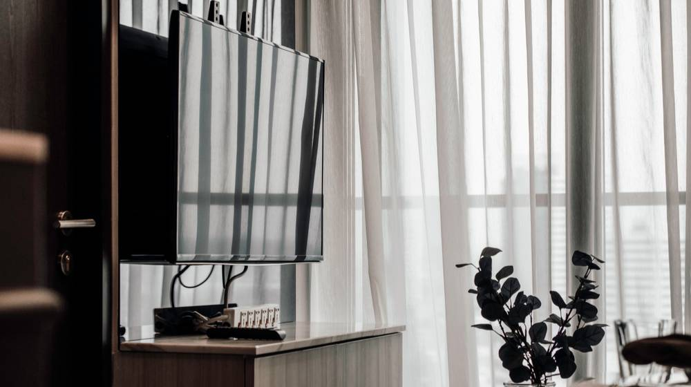 living-room-interior-set-tv-mounting | How To Mount A TV To The Wall | Featured
